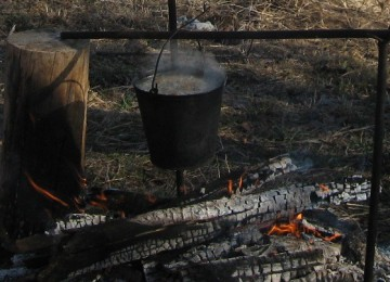 Разводим костер в лесу